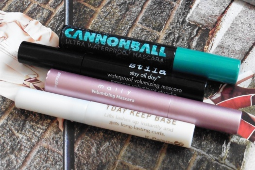02 Best Lash Curling Mascaras for Hooded Asian Eyes