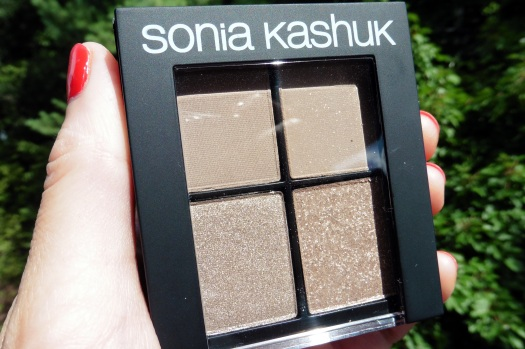 01 Sonia Kashuk Monochrome Eye Quad Textured Taupe Review