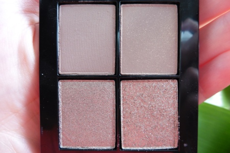 03 Sonia Kashuk Monochrome Eye Quad Textured Taupe Review - Indirect Light