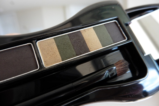 08 Anna Sui Eyebrow Color Compact 03 Ash Brown Review