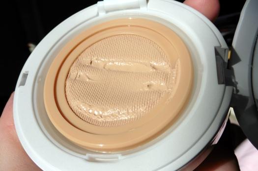 04 Dr Jart Bounce Beauty Balm Light Review-Direct Sunlight