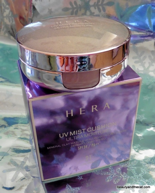 02 HERA UV Mist Cushion Ultra Moisture 21 Cool Vanilla Review