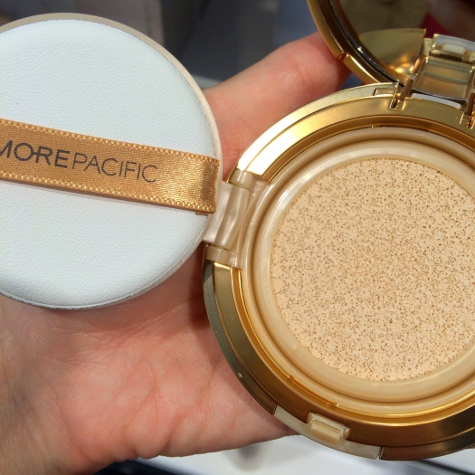 02 AmorePacific Resort Collection Sun Protection Cushion Review