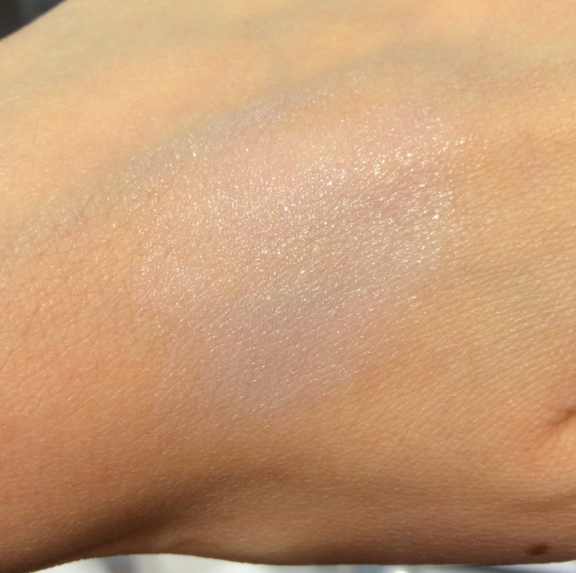 04 AmorePacific Resort Collection Sun Protection Cushion Swatch