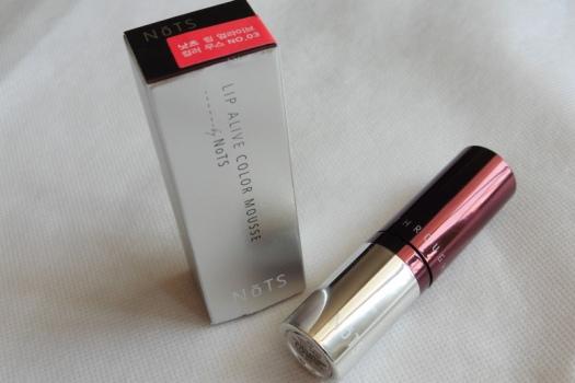 04 NoTS Lip Alive Color Mousse 03 Sweet Raspberry Review