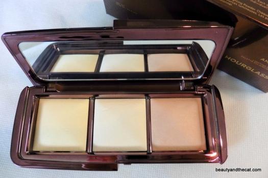 02 BeautyandtheCat x Hourglass Ambient Lighting Palette