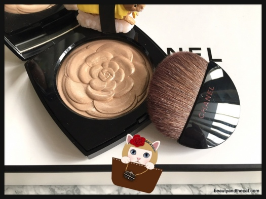 02-camelia-de-chanel-illuminating-powder