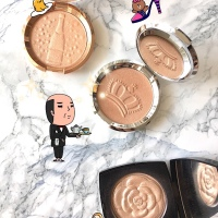 Swatch the Throne: BECCA Royal Glow Shimmering Skin Perfector Pressed Highlighter Review & Swatches
